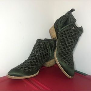 Jeffrey Campbell Shoes - Jeffrey Campbell Taggart Booties